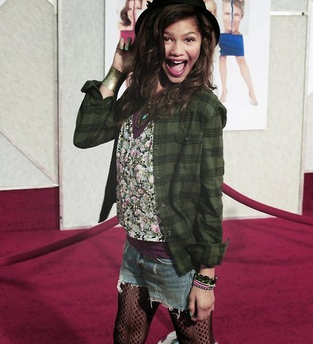 Zendaya Coleman wallpaper probably with a hip boot entitled Zendaya(: