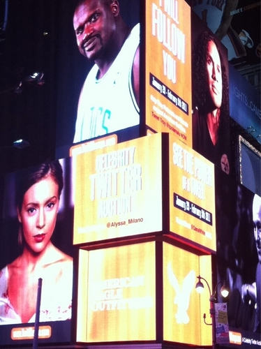 alyssa milano on time square for twitchange.com