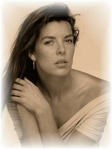 Prinzessin charlotte Casiraghi Hintergrund with a portrait called charlotte's mother _princess caroline