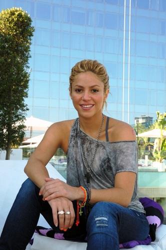 Shakira strand