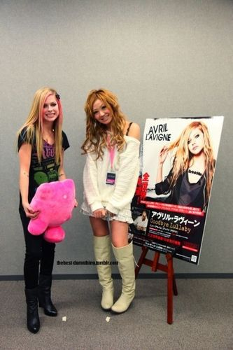 Avril in Japan Promo with a new gift :D