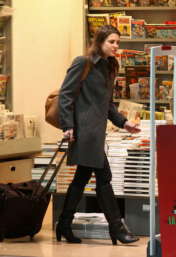 la Princesse charlotte Casiraghi fond d'écran containing a vacuum and a aspirateur, hoover called charlotte Casiraghi in Nice