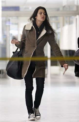 샬럿, 샬 롯 Casiraghi of Monaco at the Airport
