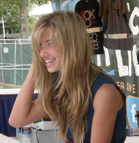 Chloe at Bumbershoot (2007)