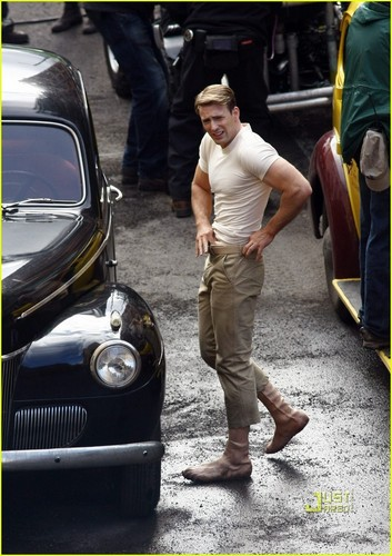 Chris Evans: Captain America Crotch Grab