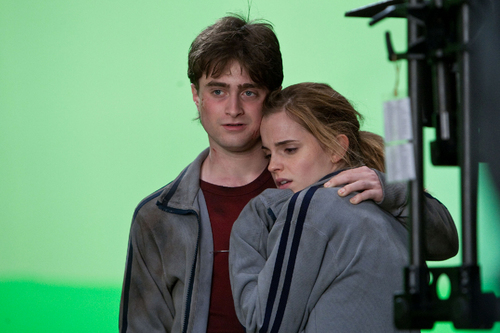 Daniel and Emma Behind the Scenes DH