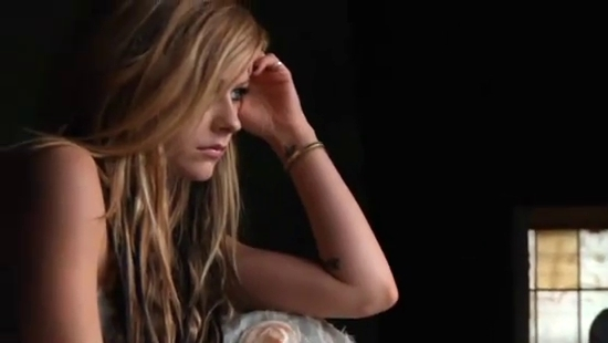gl photoshoot   goodbye lullaby photo 18730676   fanpop