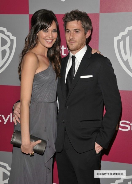 Golden Globes Party [2011] - Odette Yustman 430x600