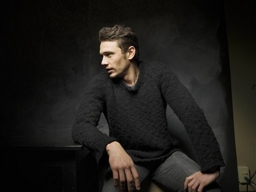 James Franco 壁纸 possibly containing a pullover titled James <3