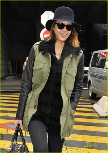 Jessica Arrives in Paris