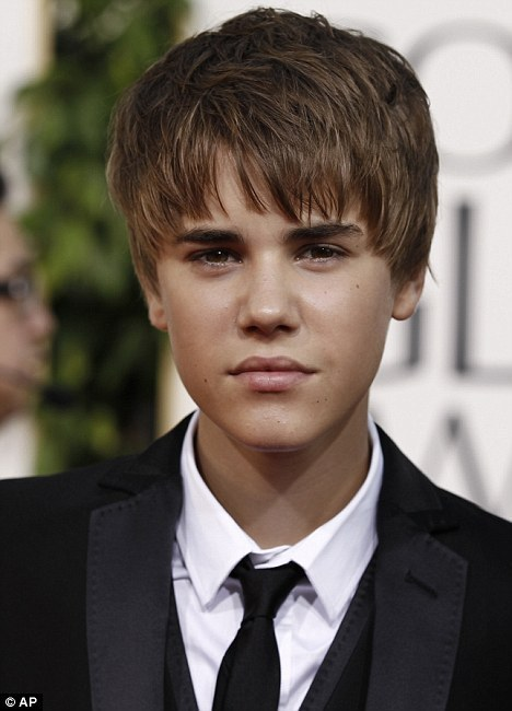 justin bieber with new haircut pictures. Justin#39;s New Haircut