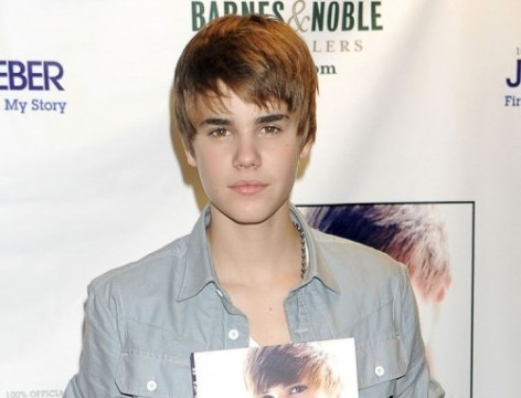 justin bieber 2011 new haircut wallpaper. makeup justin bieber 2011
