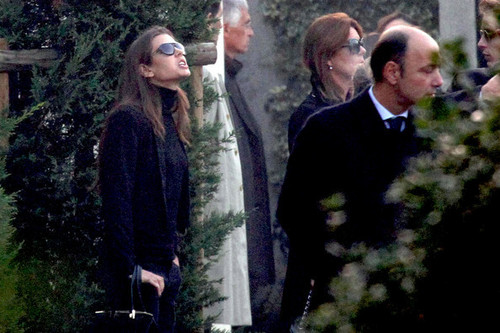 princess charlotte Casiraghi wallpaper with a business suit titled Laura Sabatini Casiraghi's Burial Survices