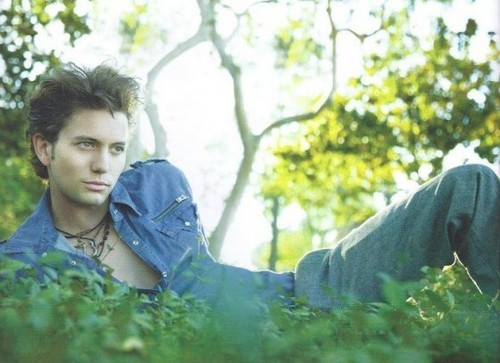 más Outtakes Of Jackson Rathbone From Zooey Magazine!
