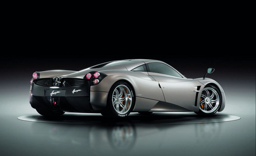 voitures de sport fond d'écran possibly with a sports car and a coupé entitled PAGANI HUAYRA