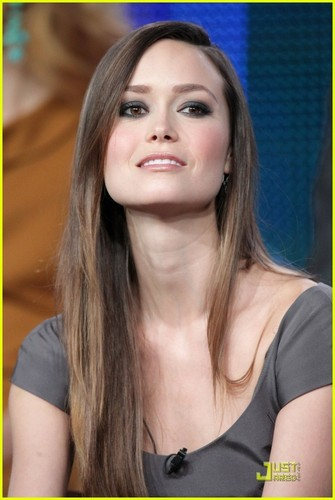 "Summer talks ""The Cape"" - summer-glau Photo"