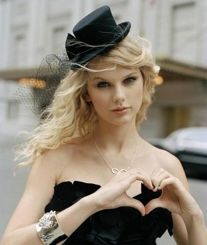 Taylor swift!!rocks