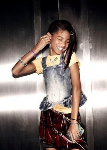 Willow Smith wallpaper probably with a hip boot entitled Vanity Fair [FEB. 2010]