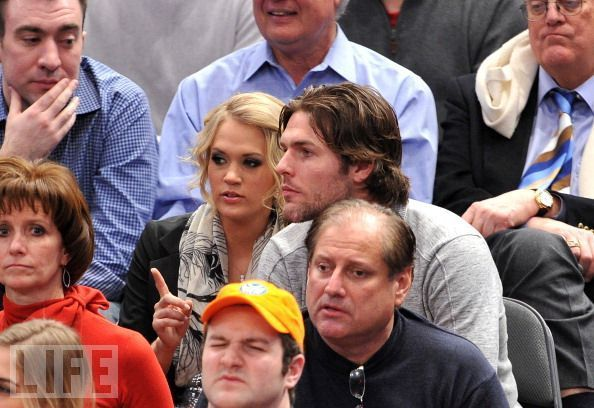 1/27/11 - Knicks Game - Carrie Underwood 594x408
