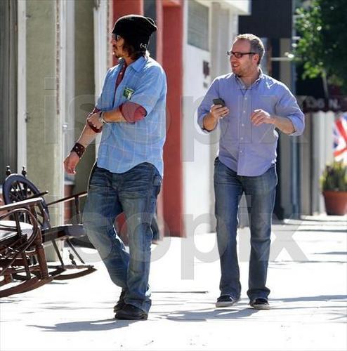 28 Jan 2011 Beverly Hills - Johnny Depp