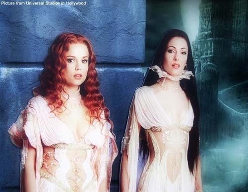 Aleera & Verona - van Helsing