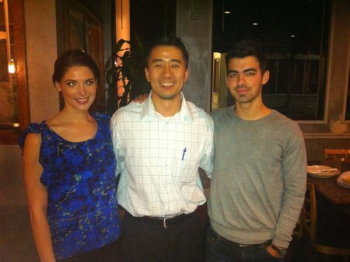 Ashley Greene wallpaper called Ashley Greene & Joe Jonas at Ichiban Sushi, BR. (January 29th 2011).