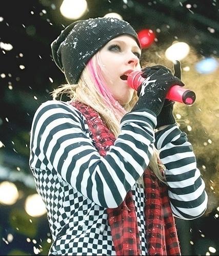 Avril Laqueen ♥