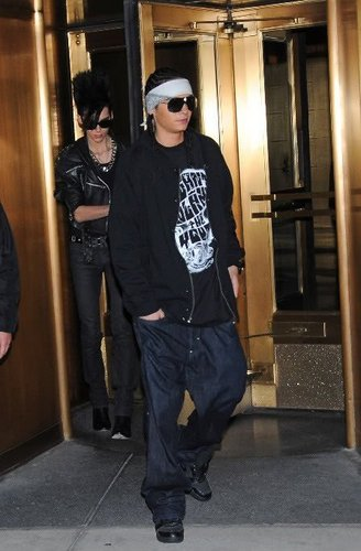 Tom & Bill Kaulitz 壁纸 probably with sunglasses, a street, and an outerwear titled Best'Brothers!♥