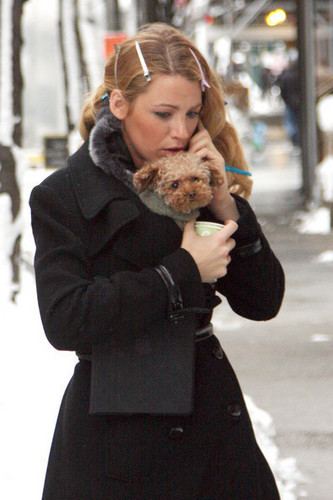 Blake Lively Leaves the Set of 'Gossip Girl'