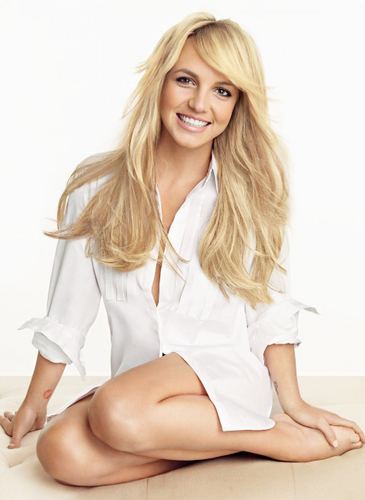 Britney Spears wallpaper probably containing a portrait titled Britney ❤-Photoshoot  2008 - Patrick Demarchelier