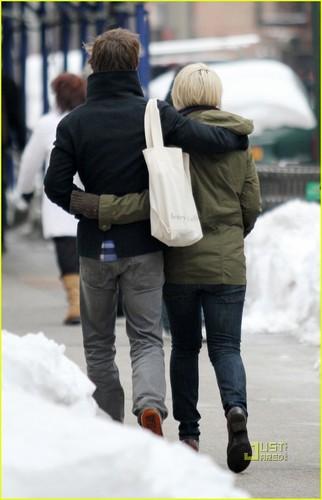 Carey Mulligan & Eddie Redmayne: Dating!