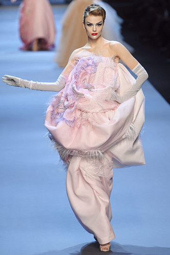 Dior wallpaper called Christian Dior Spring 2011 Couture