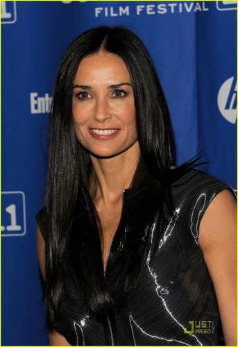 Demi Moore wallpaper containing a portrait called Demi Moore: 'Margin Call' Premiere at Sundance!