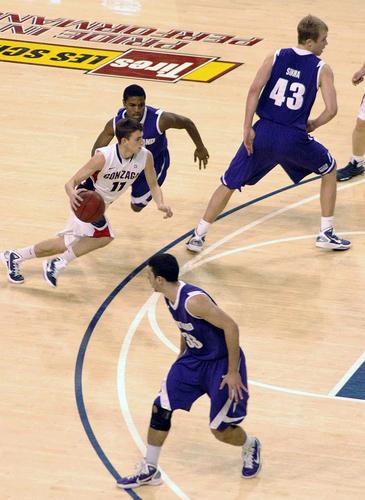 Gonzaga basketbal achtergrond entitled Gonzaga vs Portland