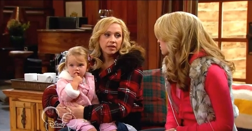 Mia Talerico wallpaper probably containing a portrait entitled Good Luck Charlie Snow Show Parts 1 and 2
