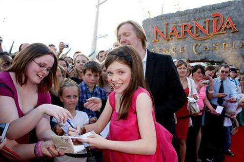 HQ London pics 2008 - georgie-henley-as-lucy-pevensie Photo