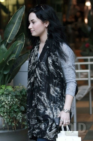 JANUARY 30TH - Shopping at Sherman Oaks Galleria, 2011