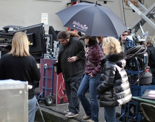 """Jorge on the set of """"Alcatraz"""" in Vancouver - January 26- 2011"""