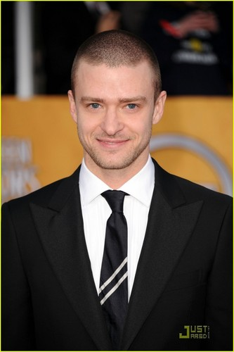 Justin Timberlake wallpaper containing a business suit, a suit, and a gessato entitled Justin timberlake 2011