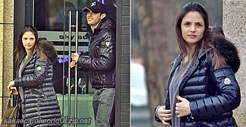 Latest pics-Kaka has lunch with his pregnant wife Carol in Japanese resturent in Madrid(2011)