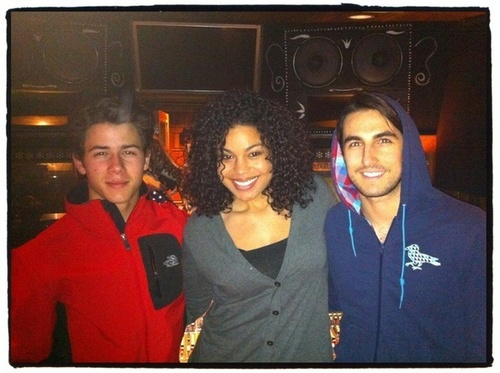 Nick Jonas, Greg Garbowsky And Jordin Sparks in #beatlab on January 27, 2011