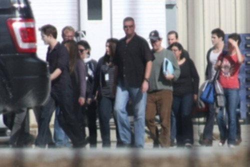 photos Of Robert Pattinson, Stephenie Meyer & Cast On The Breaking Dawn Set!