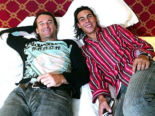 Rafa Nadal and Carlos Moya in постель, кровати : 2 most sexiest world's number one in Теннис !!!!!