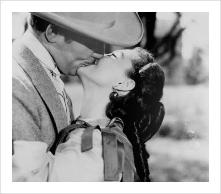Rhett and Scarlett/kiss - scarlett-ohara-and-rhett-butler Photo