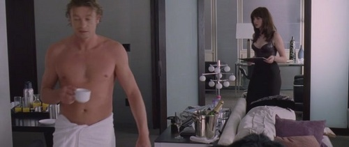 साइमन बेकर वॉलपेपर containing a hunk, a six pack, and skin entitled Simon Baker / The Devil Wears Prada