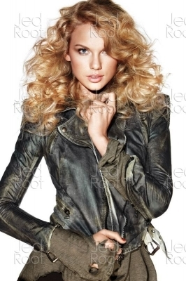 Taylor for Elle Magazine 2010