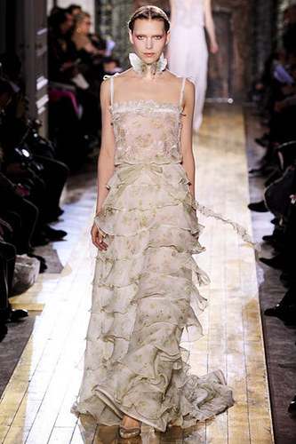 Valentino images Valentino Spring 2011 Couture wallpaper ...