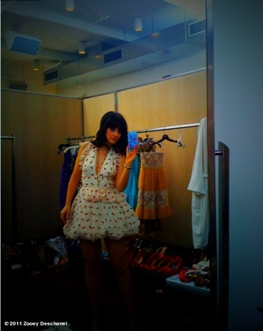 Zooey's Twitter Pics - zooey-deschanel Photo