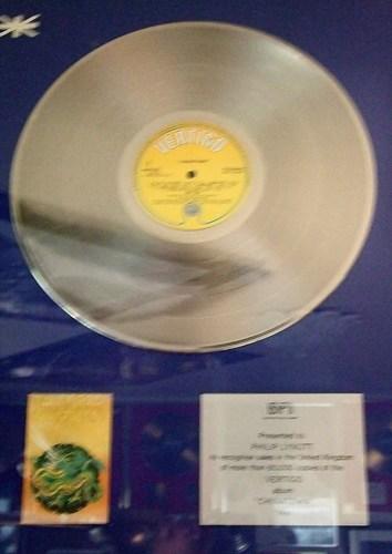 """golden album""""CHINATOWN"""""""