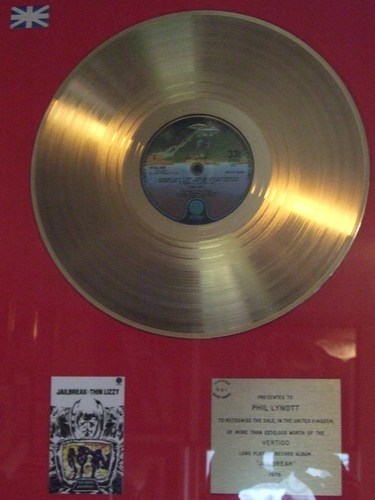 "golden album ""JAILBREAK"""